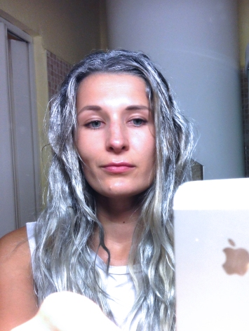 srebrne-wlosy-farba-zmywalna