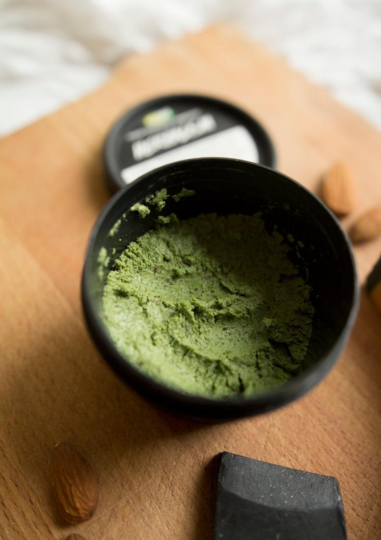 lush-herbalism-cleanser-blotowlosa